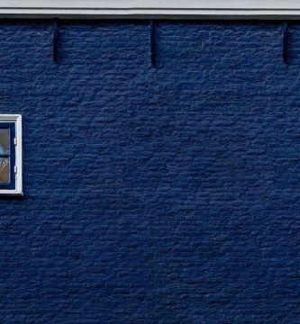 Pared azul para marcos para fotos azules